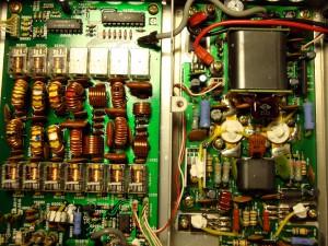 Paso final de potencia,  salida a filtros PB, relés y a  la antena